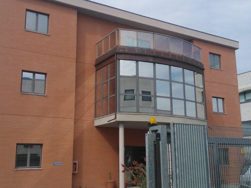 Installazione pellicole per vetri chieti - Applicazione pellicole vetri finestre ...